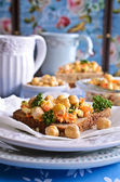 Sandwich with carrots, cheese and chickpeas — Stock fotografie