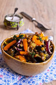 чечевица, приготовленные с овощами — Стоковое фото