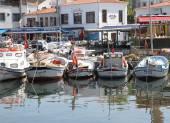 Traditional Wooden Turkish Fishing boats docked at Bozcaada port — Stock fotografie