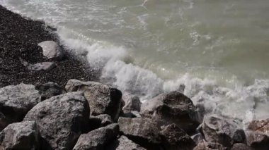 Wild water at the coastline near Calais, France — Stock Video