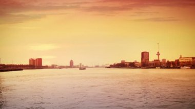 The river of Rotterdam at sunset — Stock Video