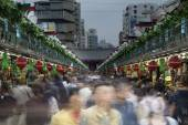 Crowded market in tokyo — Stock Photo