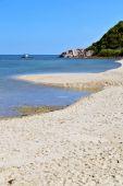 Asia in  phangan bay isle white  beach    rocks pirogue   south — Stockfoto