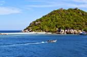 Rocks house boat in thailand  and south china sea — Stock Photo