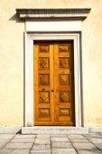 The ternate rusty brass brown pavement sidewalk — Foto de Stock