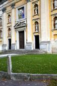 Italy  lombardy     in  the somma lombardo    church  closed br — Stock Photo