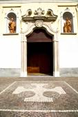 italy  lombardy    in  the vanzaghello   old   church  closed   — Foto de Stock