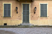 Brown door  europe  italy  lombardy       in  the milano  stret — Stock Photo