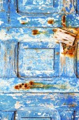 Blue stripped paint in   rusty nail — Стоковое фото