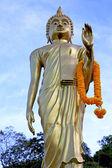 Siddharta   in the temple bangkok asia  orange flower — Fotografia Stock