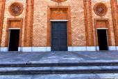 italy  lombardy    in  the vergiate  old   church  closed brick — Stock Photo