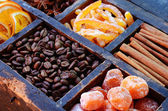 Coffee beans, kumquats and spices — Stock Photo