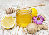 Honey,  lemon and ginger — Stock Photo
