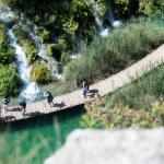 Beautiful landscapes waterfall, rock walls, stunning nature views in National park Plitvice lakes - Plitvička jezera — Stock Photo #52969961