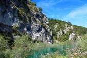 Beautiful landscapes waterfall, rock walls, stunning nature views in National park Plitvice lakes - Plitvička jezera, Croatia — Stock Photo