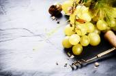 Bunch of white grape with grapevine — Foto Stock