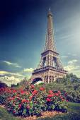 Summer in Paris. Eiffel tower — Foto de Stock
