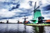 Traditional dutch windmills, Netherlands — Stock Photo