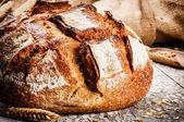 свежеиспеченные традиционный хлеб — Стоковое фото