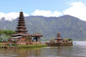 Temple Ulun Danu — Stock Photo