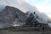 Mountain hut in Julian Alps — Stock Photo