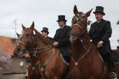 Riders attend the Easter ceremonial equestrian procession — Stock Photo