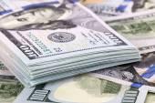 Kilkaset dolarów — Zdjęcie stockowe