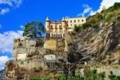 Scenery of Amalfi coast - view with a castle. Minori, Italy — Stock Photo