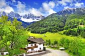 Alpine scenery - Dolomites, Val di funes — Stock Photo