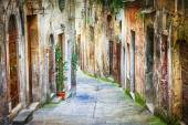Characteristic old streets of medieval towns of Italy — Stok fotoğraf