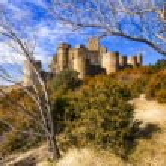 Castelo medieval impressionante Loarre, Espanha — Fotografia Stock  #78326006
