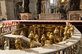 Entrance to tomb of saint peter in vatican — Stock Photo