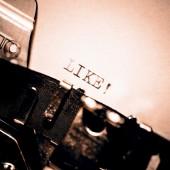 старая пишущая машинка с текстом как — Стоковое фото