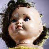 Head of beatiful scary doll like from horror movie — Stock Photo