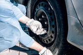 Changing tires — Stock Photo