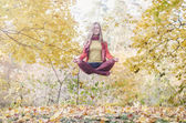 Levitation portrait of beautiful girl — Stock Photo