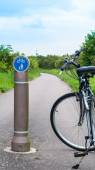 Bicyle on a path in Suffolk countryside, England, UK — Stock Photo
