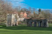 Ruins of the medieval Abbey in the Suffolk town of Bury St Edmunds, UK — Stock Photo
