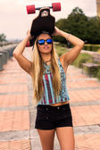 Skateboarder girl — Stock Photo