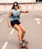 Skateboardåkare flicka — Stockfoto