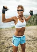 Mulher atleta treinando — Fotografia Stock
