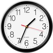 Klasické kulaté nástěnné hodiny izolovaných na bílém pozadí — Stock vektor