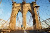 Brooklyn Bridge at sunrise, New York City — Stock fotografie