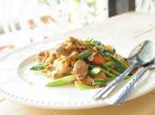Pad See Ew, Stir fried flat noodle and pork with preserved soy b — Stock Photo