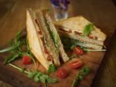 Homemade   Sandwich — Stock Photo