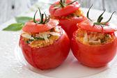 Plněná rajčata se sýrem a strouhankou — Stock fotografie