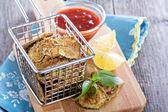 Homemade zucchini chips — Stock Photo