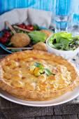 Savory pie with chicken — Stock Photo