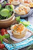 Mini quiche with puff pastry — Stock Photo