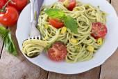 Vegan pasta with avocado sauce — Stock Photo
